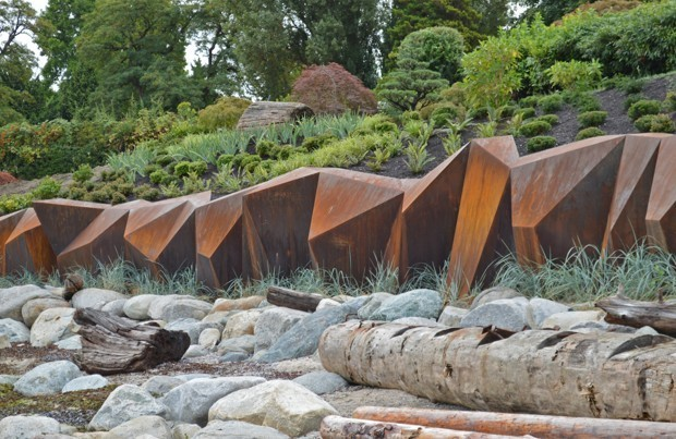 A Seawall That Proves Strong Infrastructure Can Be Pretty, Too