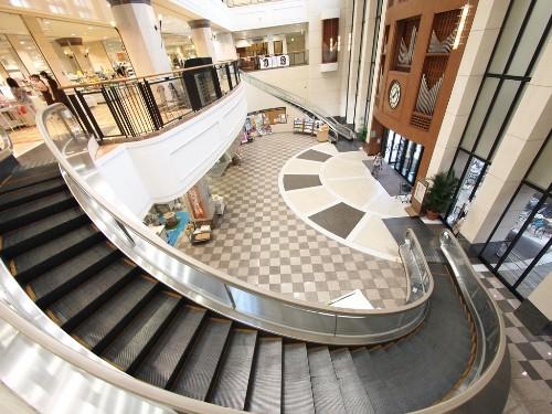 Photographing Tokyo's Coolest Escalators