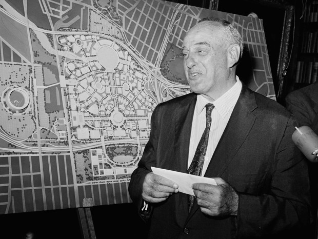 The Public Art of Robert Moses's New York