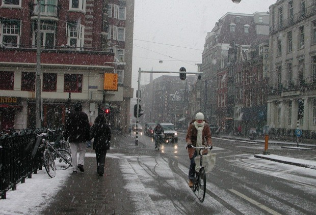 5 Reasons Why Amsterdam Works So Well for Bikes