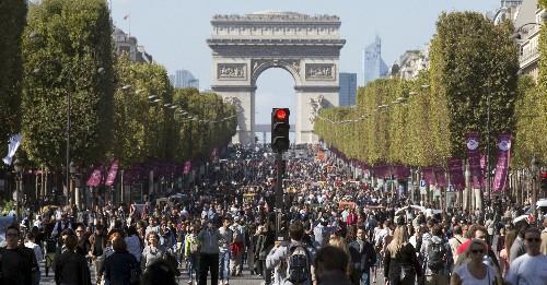 Paris Introduces Car-Free Sundays