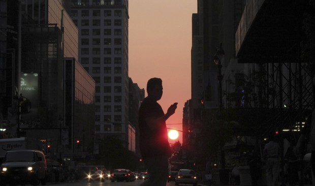 The Problem With Outlawing Distracted Walking
