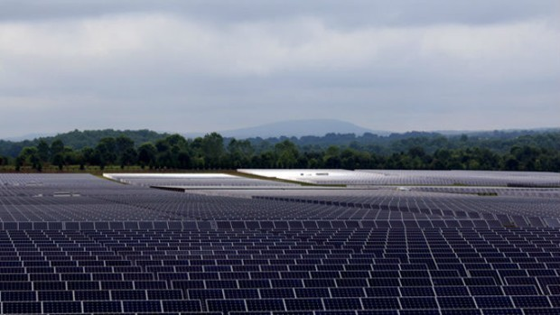 Inside the Huge Solar Farm That Powers Apple's iCloud