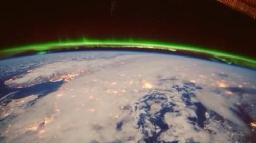 Astronauta nos sumerge en la vida espacial con sus 'Vines'