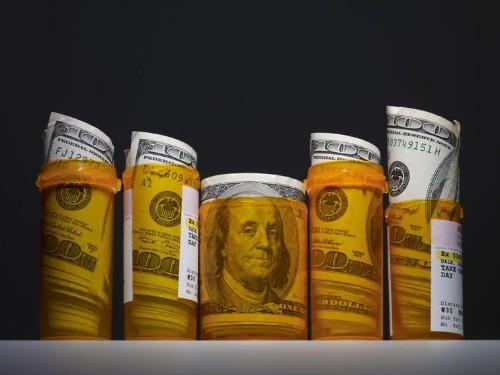 Cuentas de ahorro FSA vs. HSA: ¿Cuál es la diferencia?
