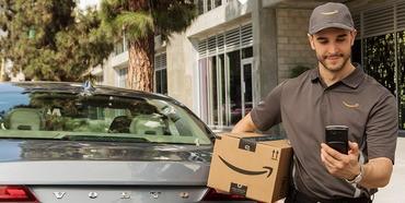 アマゾン、車のトランクに商品を配達する新サービス--米プライム会員に - CNET Japan
