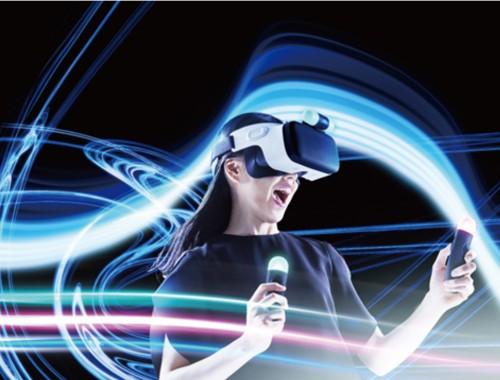 Google Assistant tiene finalmente buena pinta y HTC presenta gafas de VR móviles HTC Link