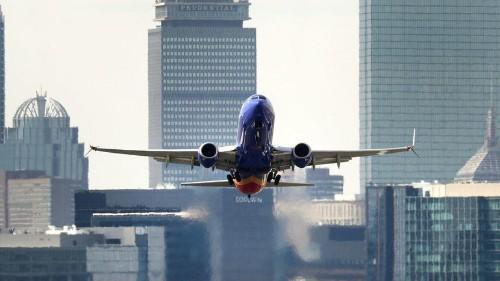 Falla técnica retrasa cientos de vuelos por todo EE.UU.