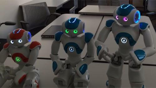 Este adorable robot está consciente de sí mismo