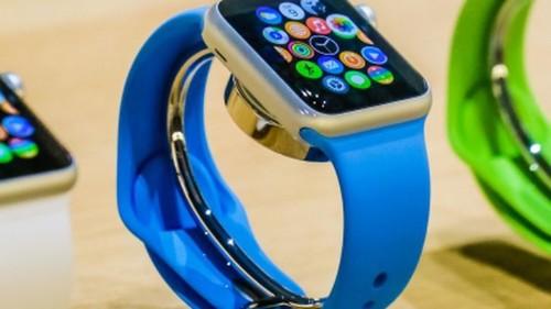 El primer prototipo del Apple Watch fue un iPhone amarrado a la muñeca