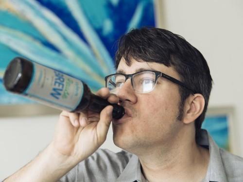 Esta cerveza fue hecha usando agua del retrete [fotos]