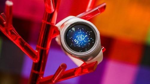 Samsung lanza el Gear S2 Classic con 3G, eSIM global