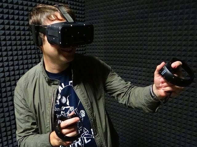 """仮想世界に""""触れられる""""コントローラー「Oculus Touch」--開発者インタビュー"""