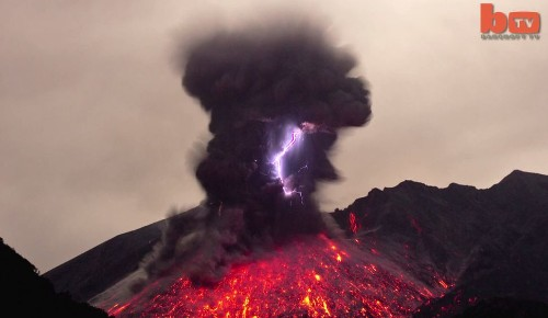 Una erupción volcánica tan intensa que creó relámpagos [video]