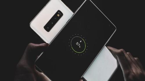 Cómo funciona la carga inalámbrica inversa del Samsung Galaxy S10