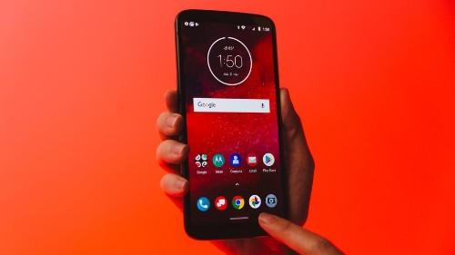 Motorola anuncia el Moto Z3 y su primer módulo para redes 5G