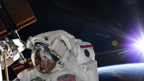 NASA cancela caminata espacial de mujeres por falta de traje