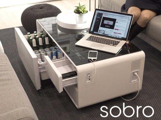 人をダメにする冷蔵庫テーブル「Sobro」--テレビから離れずビールをおかわり