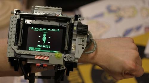 Enamórate del reloj inteligente Fallout Pip-Boy