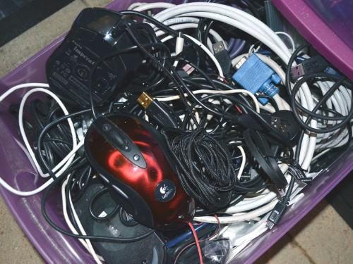 ¡No más enredos! Aprende a organizar tus cables