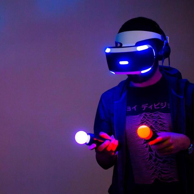 ソニー「Project Morpheus」を写真で見る--期待高まる仮想現実ヘッドセットの最新プロトタイプ - CNET Japan