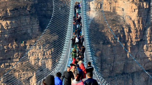 World's longest glass bridge opens in Hebei, China