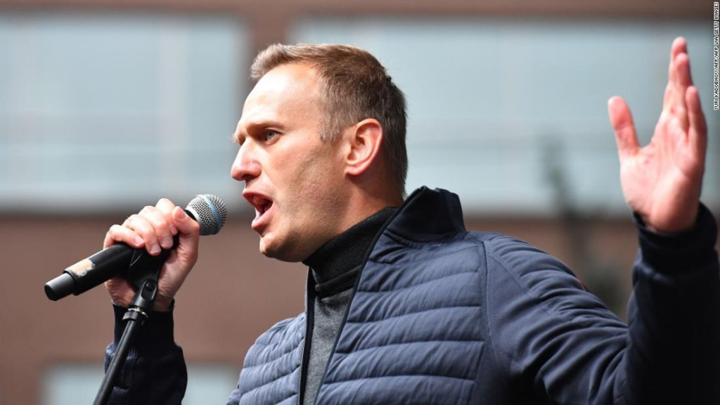 Russian opposition leader Navalny says Trump should condemn chemical attack against him