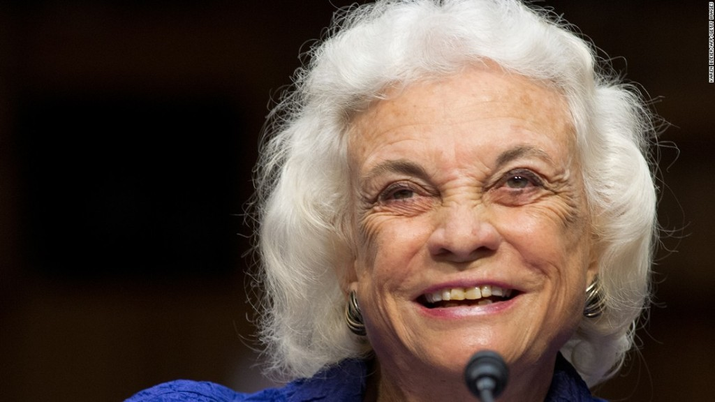 Justice Sandra Day O'Connor announces she has been diagnosed with dementia