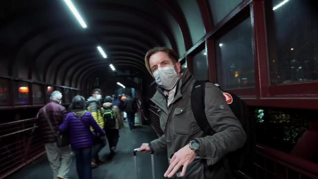 Hong Kong announces new border closures, as China's coronavirus death toll overtakes SARS