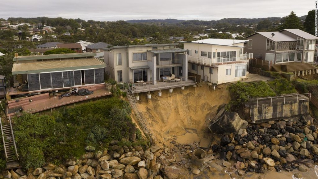 Luxury homes in Australia are falling into the ocean