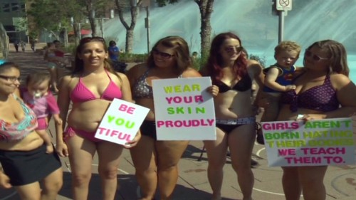 Bikini-clad moms rally against bullies