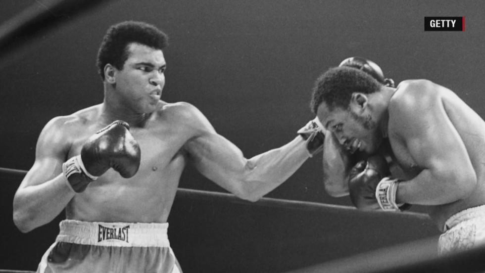 Muhammad Ali hospitalized with respiratory issue