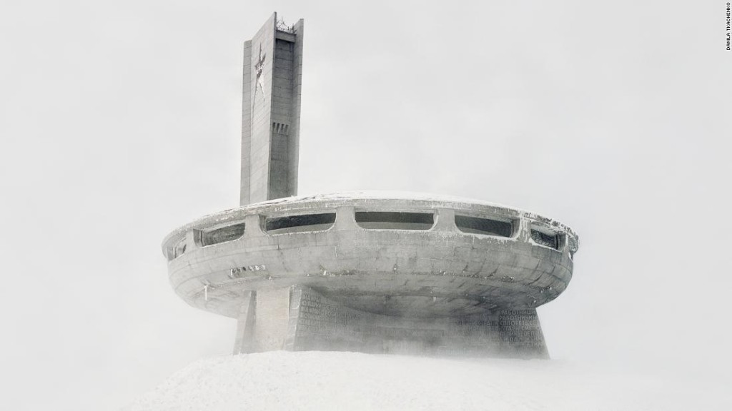 Eerie photos show dilapidated relics of the Soviet era