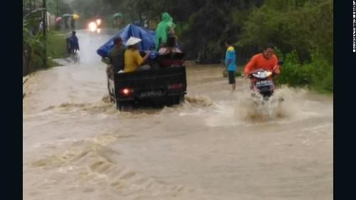 Indonesia: Floods, landslides kill 35 in Central Java