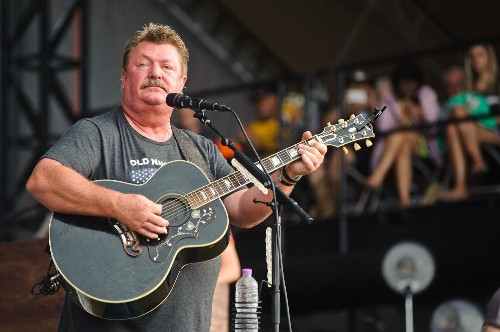 Country singer Joe Diffie dies of complications from coronavirus