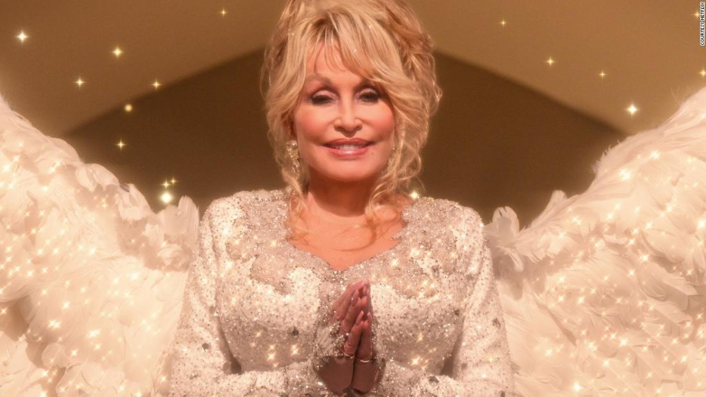 Opinion: Just let Dolly Parton rule the world already