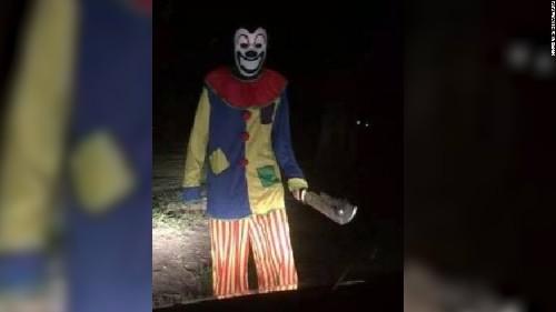Creepy clown craze sweeps the globe