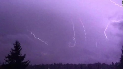 About 1,250 lightning strikes recorded in Washington within three hours
