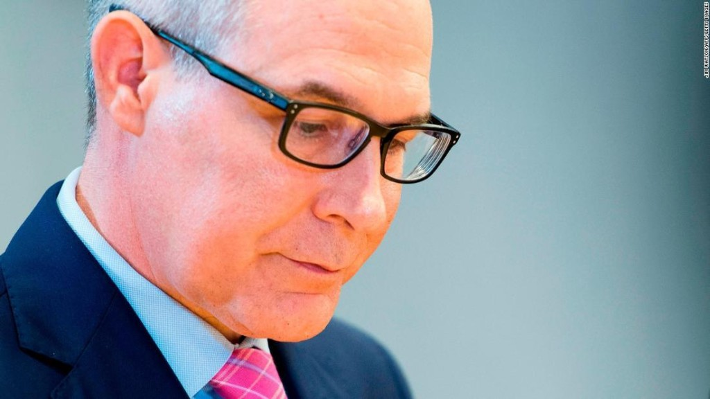 Official: Pruitt 'inching forward to the tipping point'