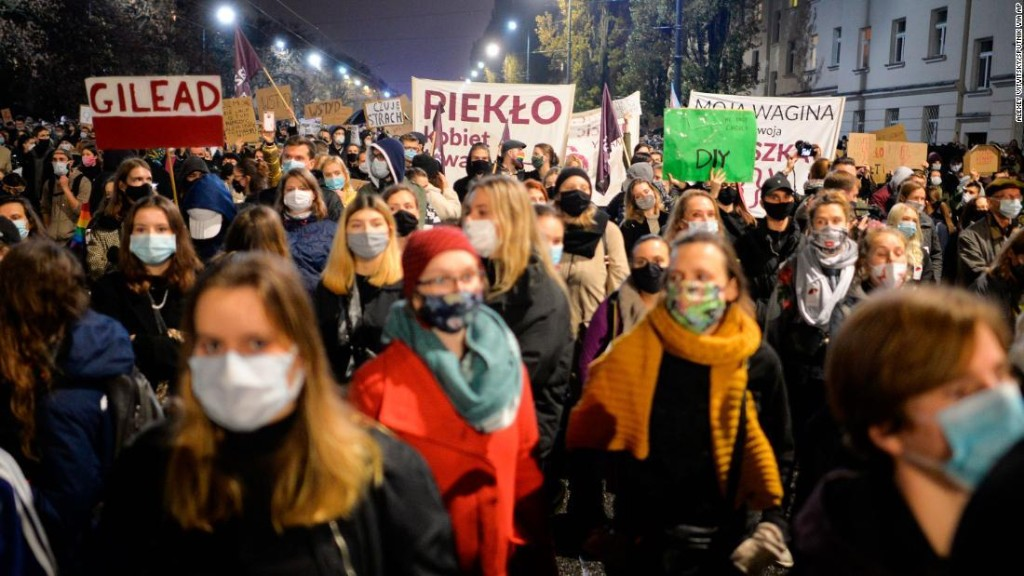 Hundreds demonstrate in Warsaw after Poland's highest court imposes near total ban on abortion