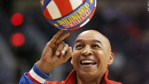 'Curly' Neal, Harlem Globetrotters ball-handling legend, dies at 77