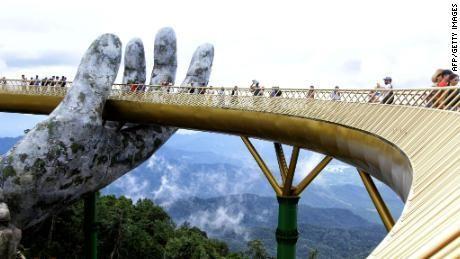 Giant hands lift up Vietnam's Golden Bridge
