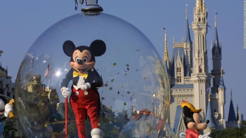 Disneyland sets its reopening date