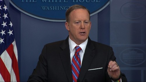 Reporter responds to exchange with Spicer