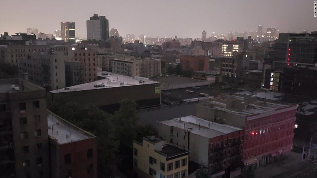 Sections of Manhattan wake up to power outage