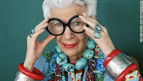 Iris Apfel, 97-year-old style icon, signs major modeling contract