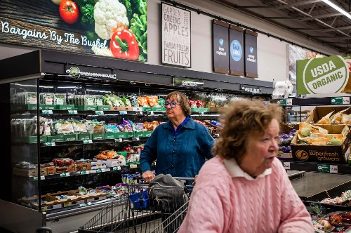 How Aldi, a brutally efficient grocery chain, is beating Walmart on low prices