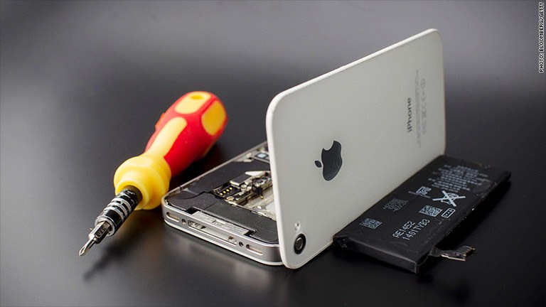 Apple recalls iPhone 5s for battery woes