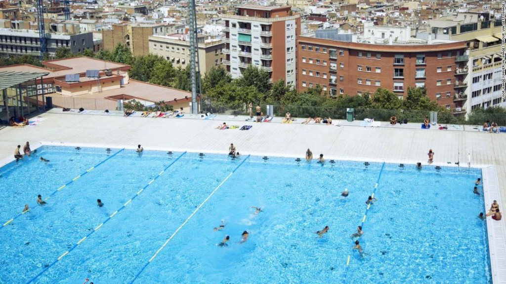 Barcelona confirms women can swim topless in city pools