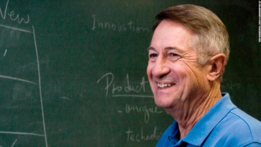 Robert Gore, inventor of waterproof outerwear Gore-Tex, dies at 83